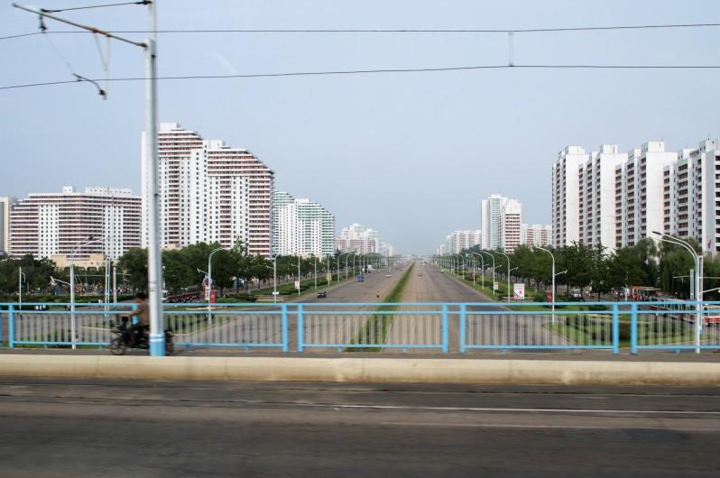 Wide_open_streets_Pyongyang