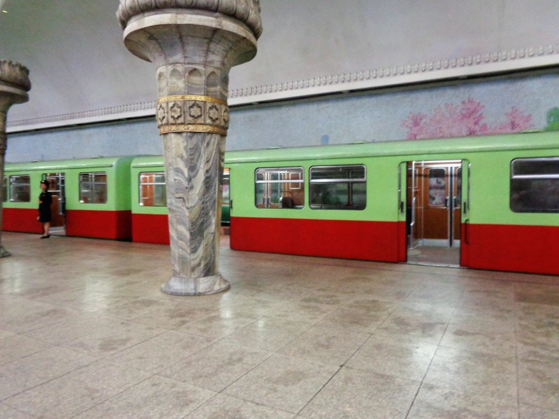 Pyongyang_metro11
