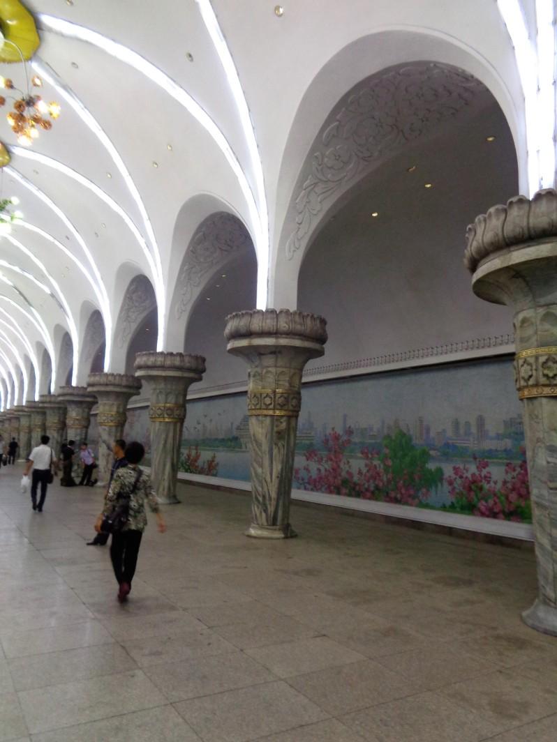 Pyongyang_metro13