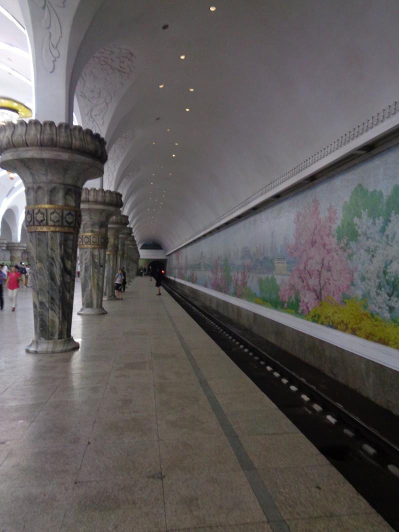 Pyongyang_metro3