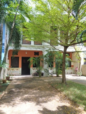 phesant_tiles_courtyard