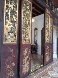Peranakan_mansion_door